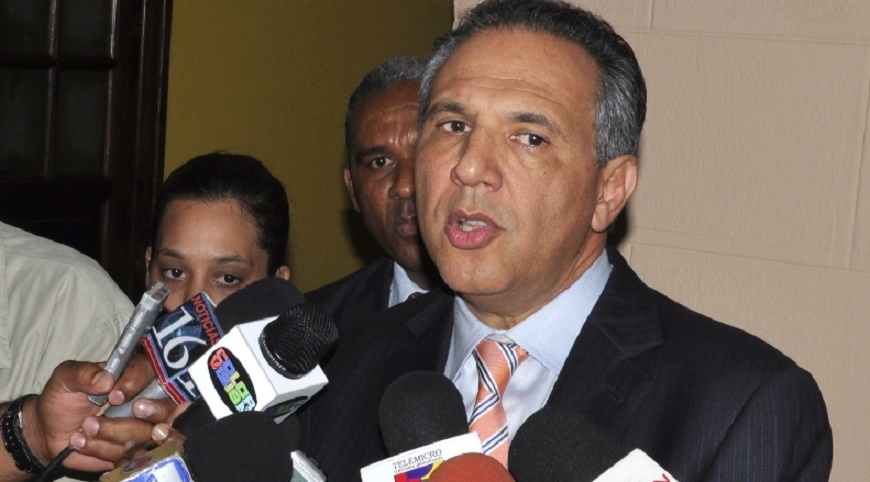 Ministro Adminitrativo de la Presidencia José Ramón Peralta.