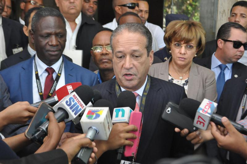 Reinaldo Pared Pérez presidente del Senado y secretario PLD.