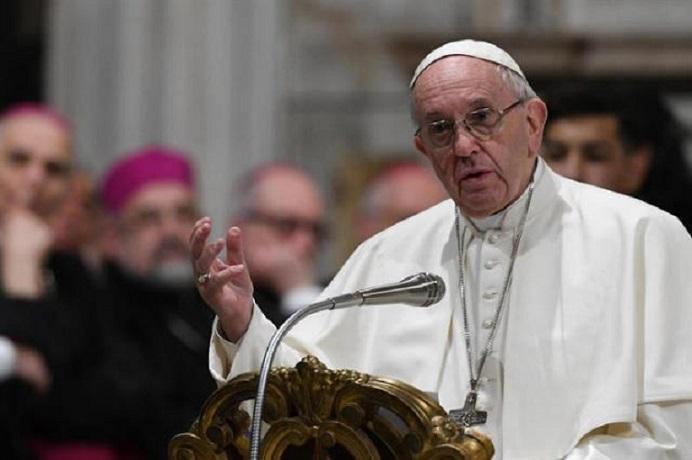 Papa Francisco pide perdón a comunidad gitana.