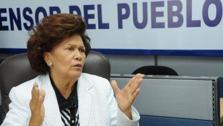 Zoila Martínez Guante Defensor del Pueblo.
