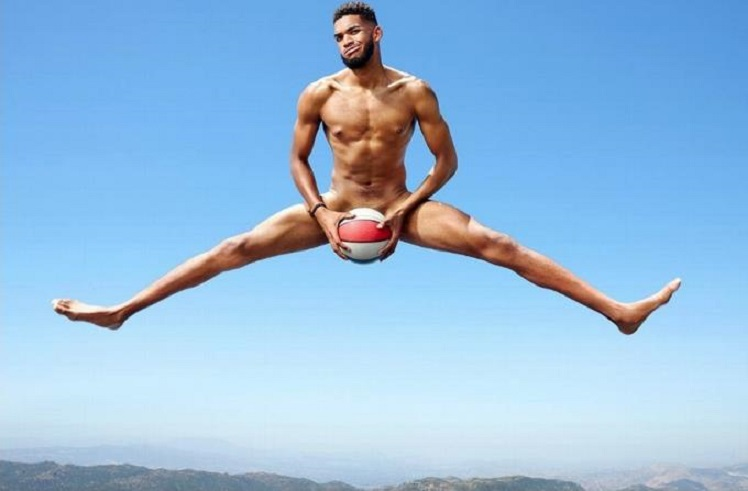 Nba Dominicano Karl Towns Se Desnuda Para Revista Body De Espn