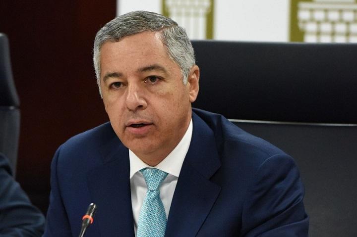 Donald Guerrero ministro de Hacienda de la RD.