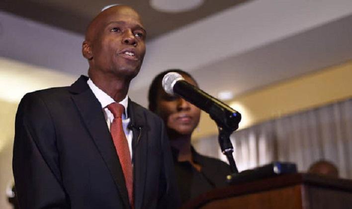 Jovenel Moise presidente haitiano podio.