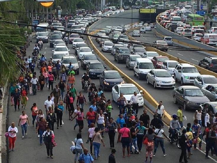 Image result for Paro en el transporte iniciado hoy lunes por Fenatrano