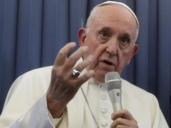 Papa Francisco declara vida.
