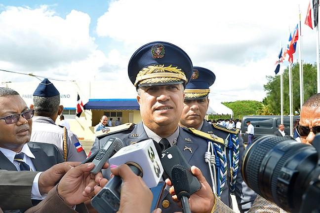 Director de la Policía Ney Aldrin Bautista ofrece declaraciones.