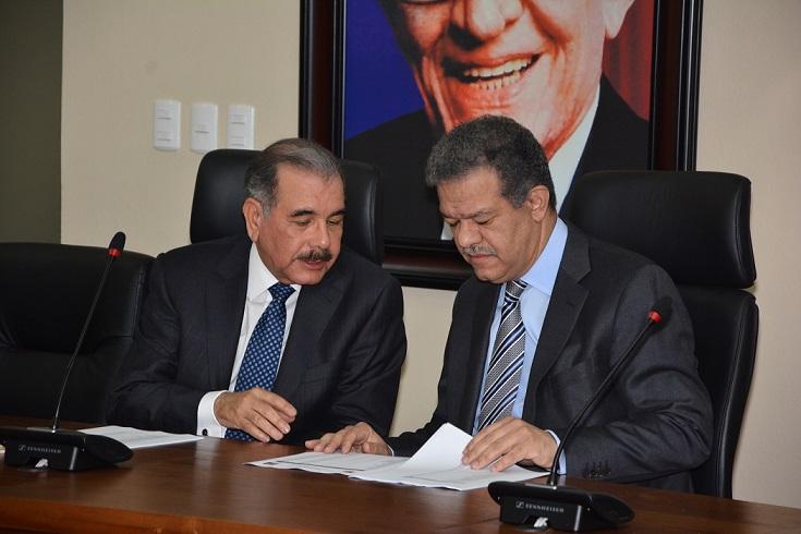Danilo Medina y Leonel Fernández en reunión Comité Político.