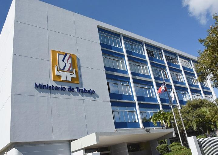 Sede del Ministerio de Trabajo en el Centro de los Héroes.