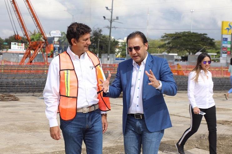 Alcalde Abel Martínez anuncia construcción del Parque de la Mujer.