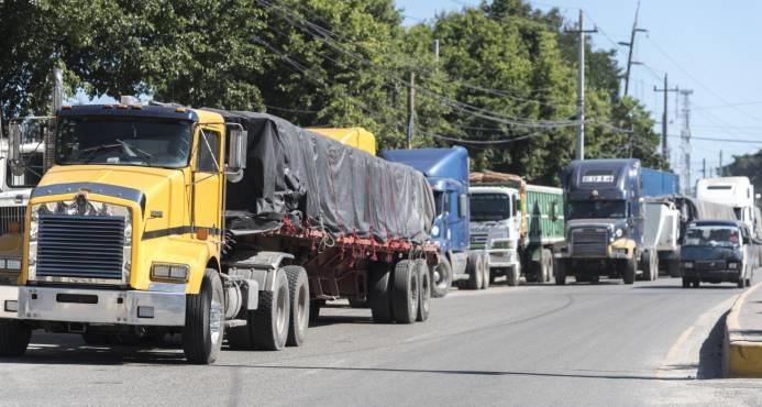 Fenatrado anuncia paro nacional para este viernes por precios de combustibles.