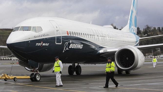 Presidente Trump ordena suspender operación de aviones Boeing 737 MAX.