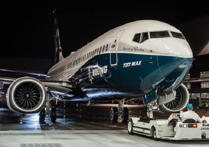 Aviones Boeing- 737-MAX en hangar.