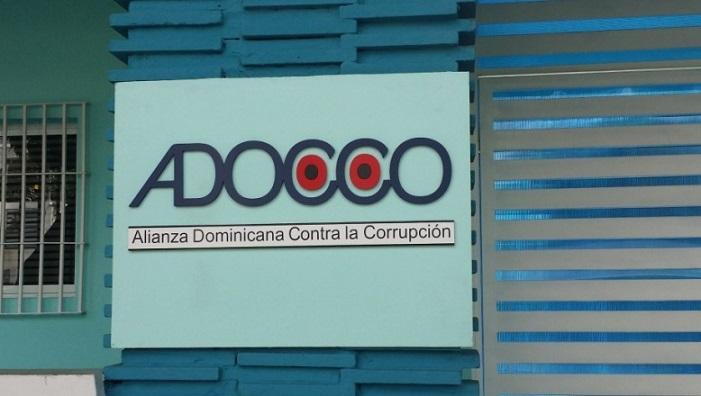 Fachada y logo de ADOCCO.