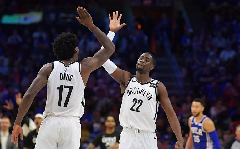 Los Brooklyn Nets derrotan a Philadelphia.