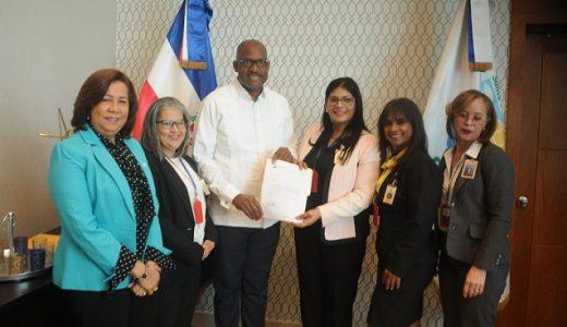 Miembros de Junta Municipal Electoral se reúnen con Alcalde Alfredo Martínez de SDE.