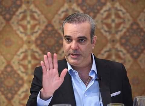 Luis Abinader precandidato PRM habla.