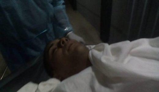 Reynaldo de Jesús (De Hilo) mientras era atendido en hospital de Nagua.