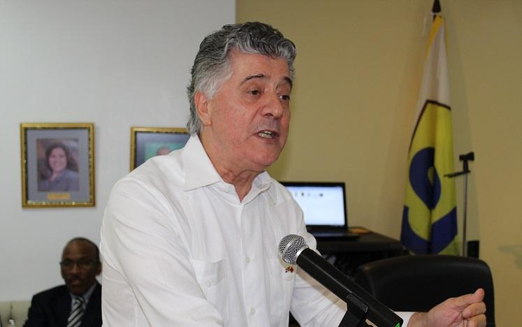 Roberto Santana, presidente Cámara de Comercio Dominico-China.