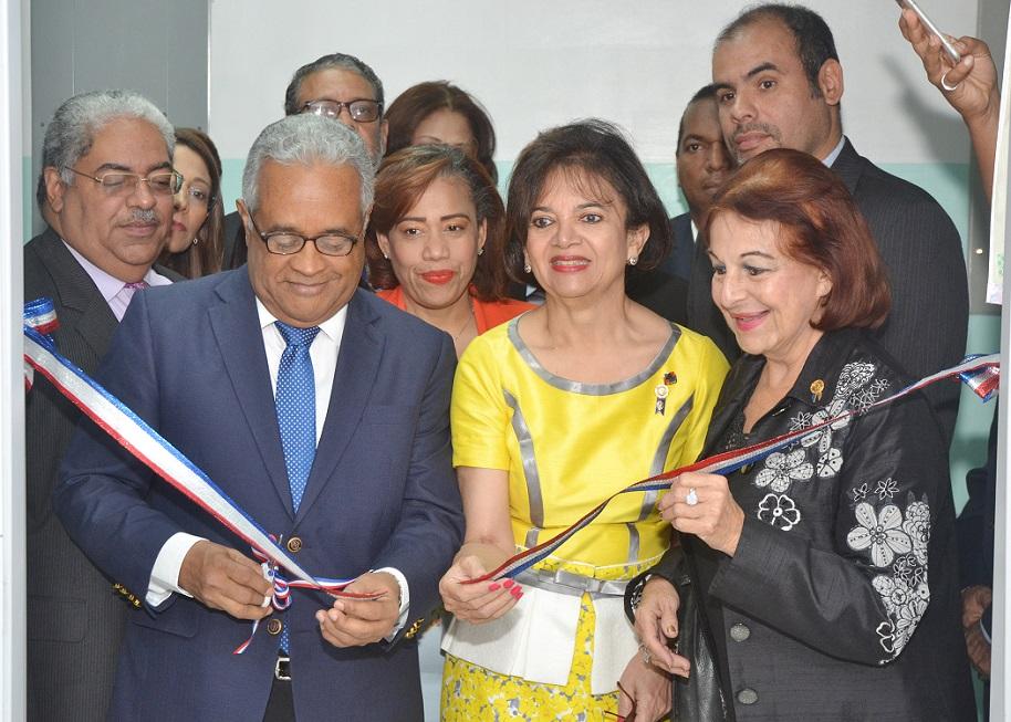 Inauguran sala de lactancia en Hospital Materno de Los Mina.