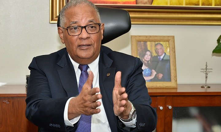 Pérez Modesto asegura a CNSS no compete regular contratos entre ARS y prestadoras de servicios