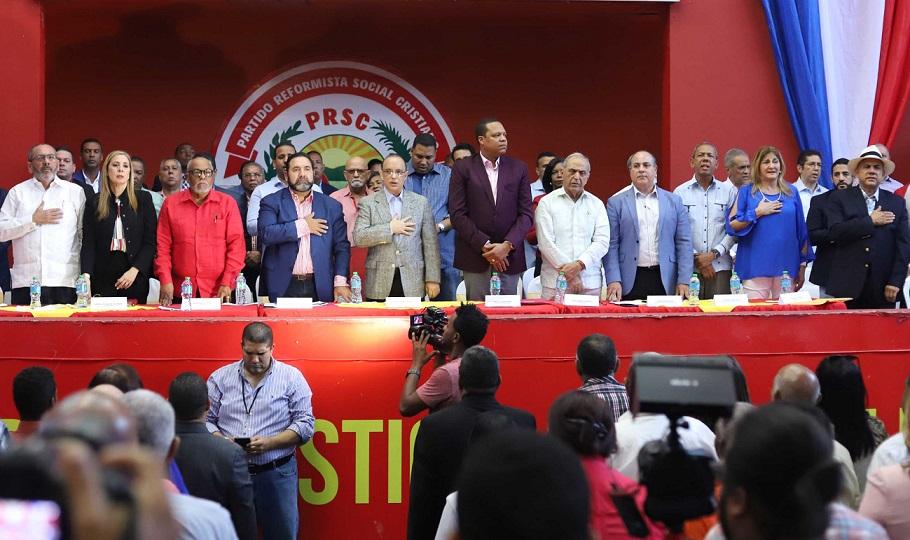 Reunión de la Comisión Política Nacional del PRSC celebrada en la sede del partido.