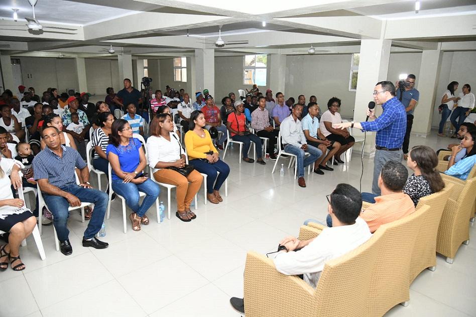 Andrés Navarro se reúne con dirigentes comunitarios SPM.