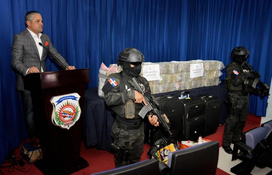 DNCD ocupa 120 paquetes de cocaína en SDE.