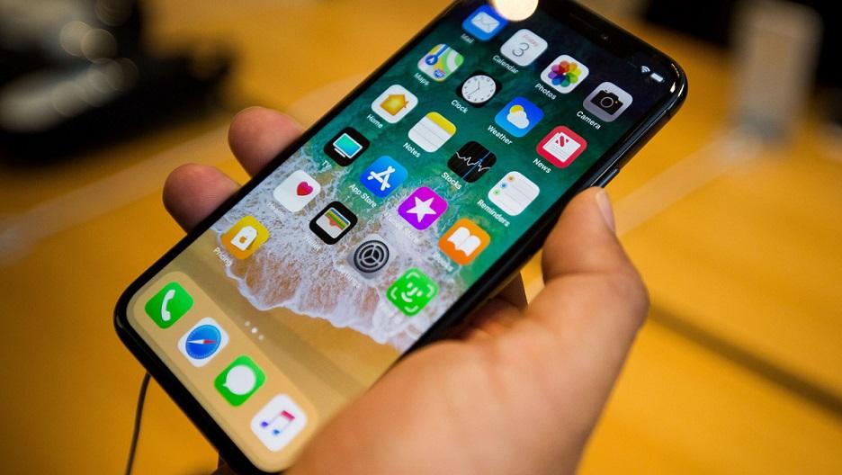 Proveedor de iPhone insta Apple trasladar plantas de China.