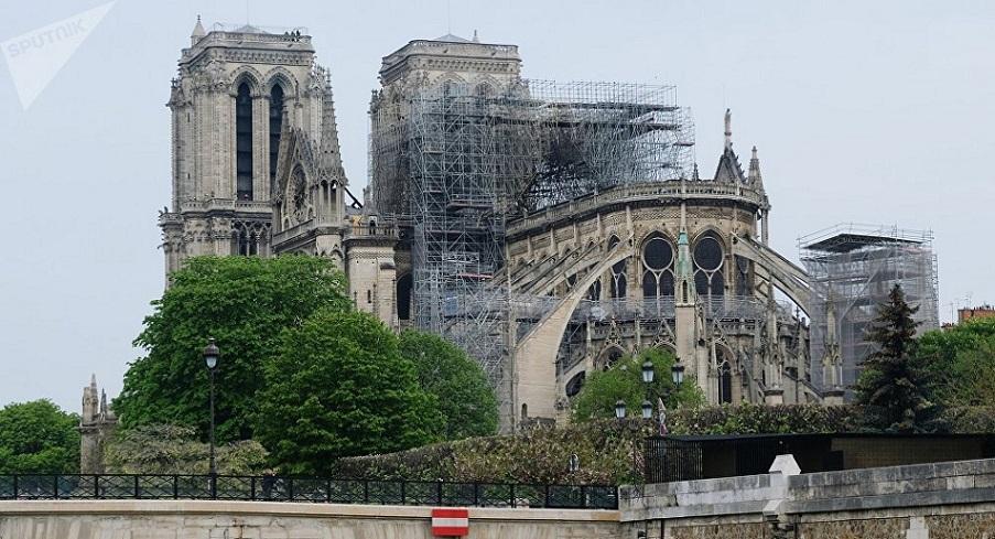 Reconstrucción catedral de Notre Dame París.