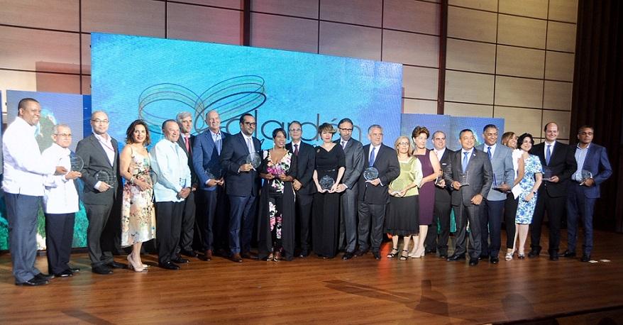 ADOMPRETUR celebra primera edición del premio Luis Augusto Caminero.