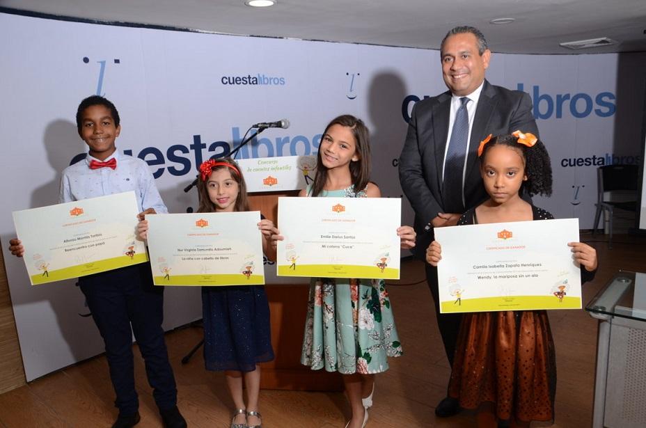 Casa Duarte premia niños ganadores de Concurso de Cuentos Infantiles.