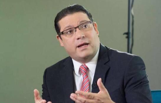Eduardo Sanz Lovatón secretario de finanzas PRM.