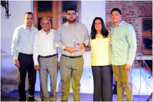 Fundación Humanidad reconoce instituciones con premio a la excelencia en comunidad sorda.