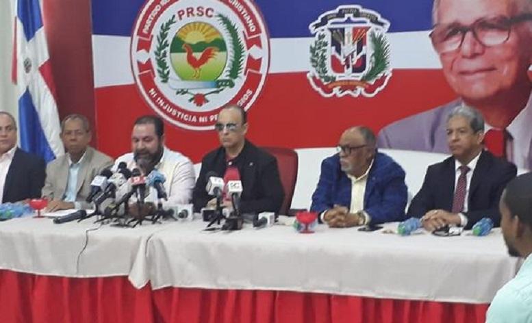 Quique Antún y al dirigencia del PRSC ofrecen rueda de prensa.