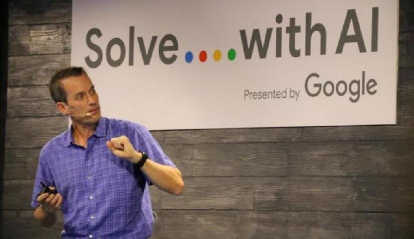 El director de Inteligencia Artificial de Google, Jeff Dean, en la sede de Google en Tokio, (FOTO EFE/Nora Olivé).