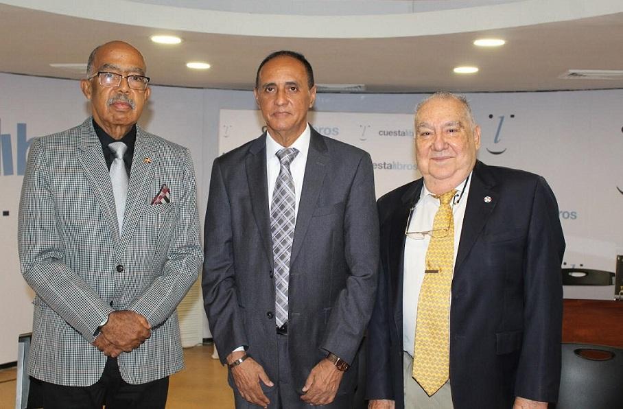 Andrés Fortunato y Armando Armenteros debate.