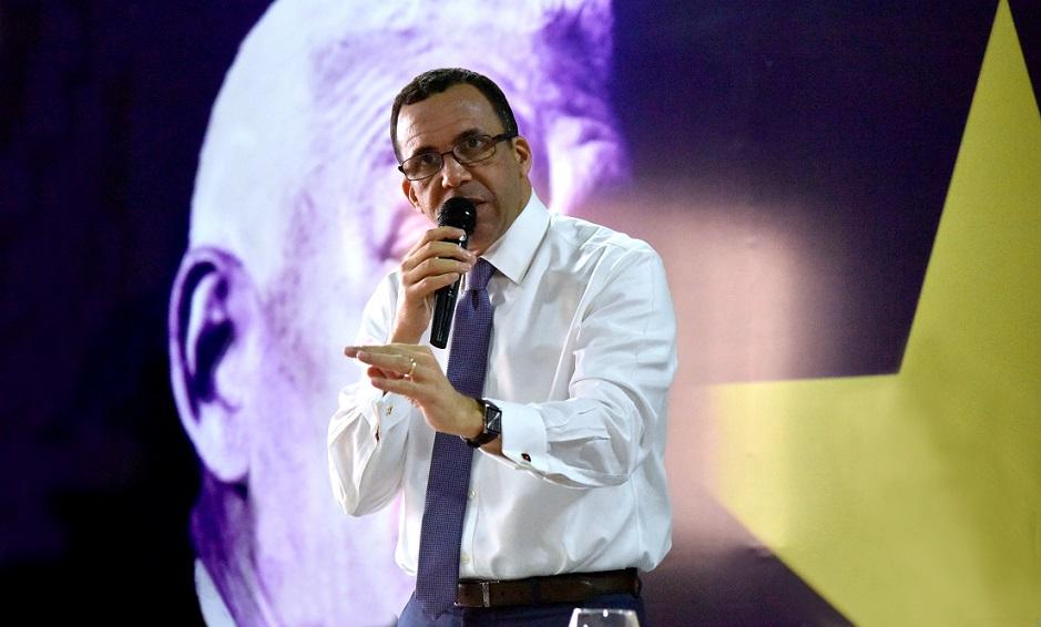 Andrés Navarro dice LF cumplió ciclo.
