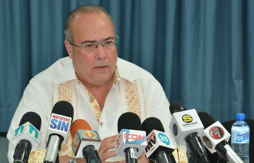 Charlie Mariotti, es senador del PLD en la provincia Monte Plata.