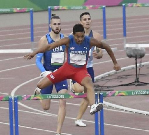 Juander Santos, competirá este jueves a partir de las 7:15 p.m. en la ronda final. (Foto EFE)