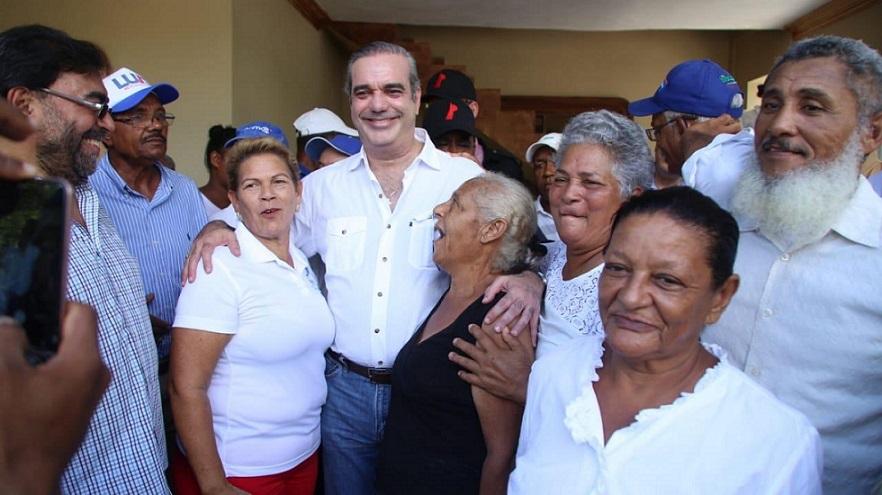 Luis Abinader promueve candidatura en Duarte.