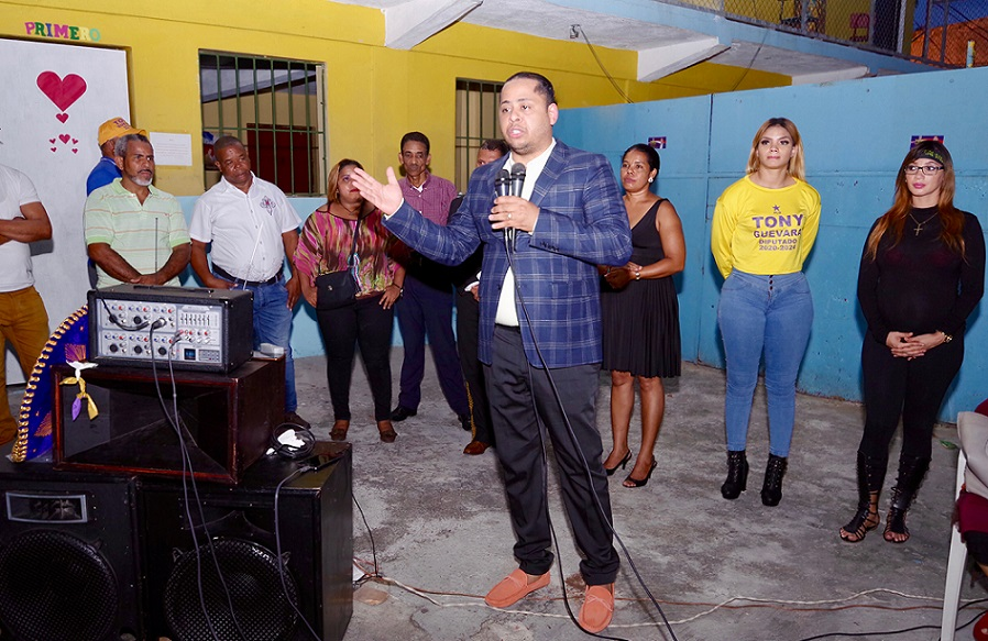 Tony Guevara aspirante a diputado PLD.