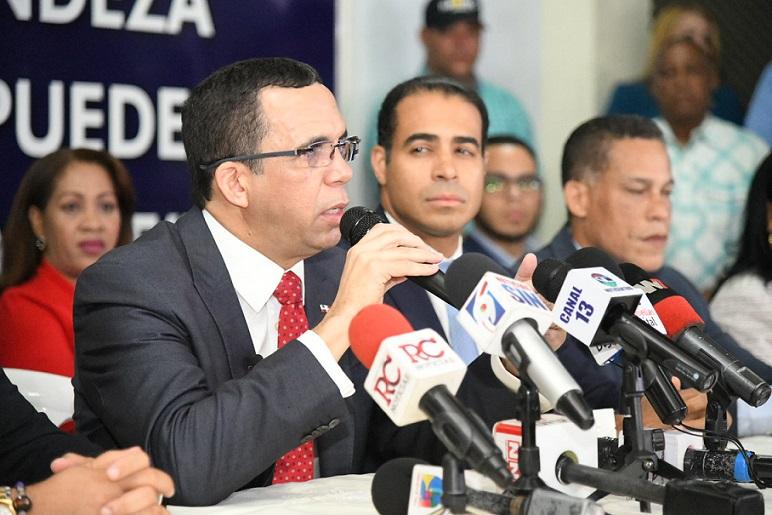 Andrés Navarro acoge resultado de encuestas(Foto externa).