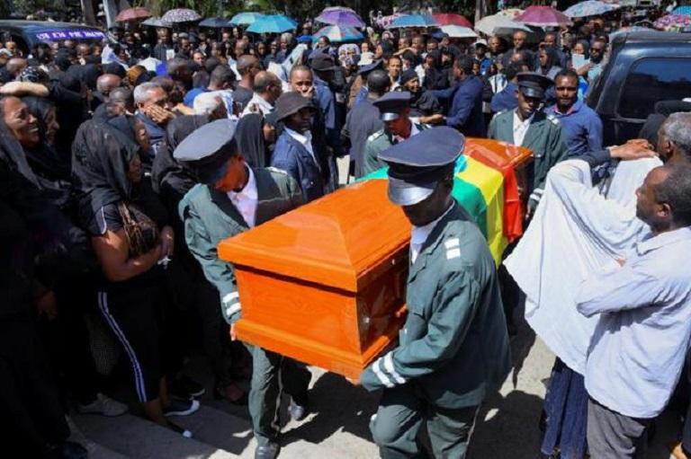 Etiopía termina de identificar los restos de las víctimas del accidente del Boeing 737. (Foto EFE/EPA/STR)