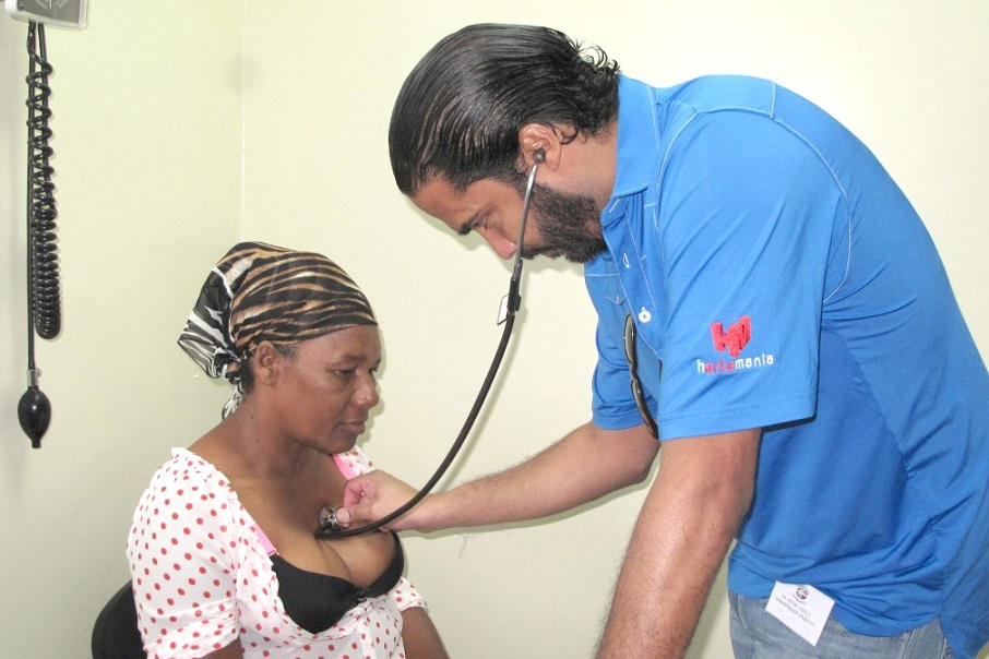 Fundación Corazones Unidos realiza operativo.