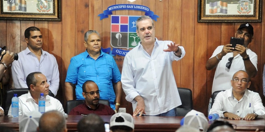 Luis Abinader visita provincia Montecristi.