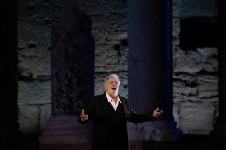 El famoso tenor español Plácido Domingo, durante un ensayo en la localidad francesa de Orange, el 5 de julio de 2019. (Foto AFP)