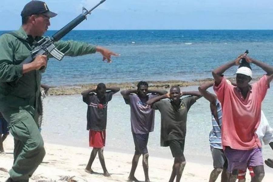 Grupo de haitianos deportados de Bahamas. (Foto: archivo)
