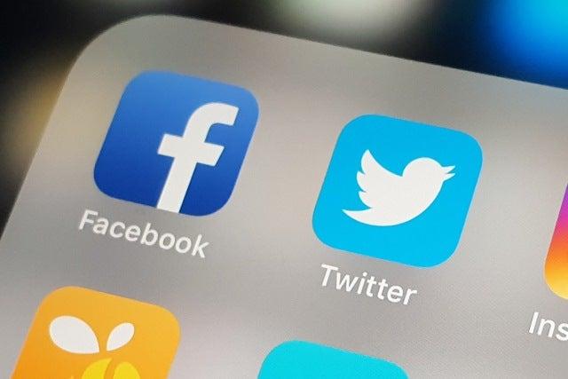 Error permite acceder a datos Facebook y Twitter.