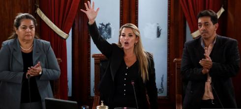 Jeanine Añez presidente interina Bolivia.