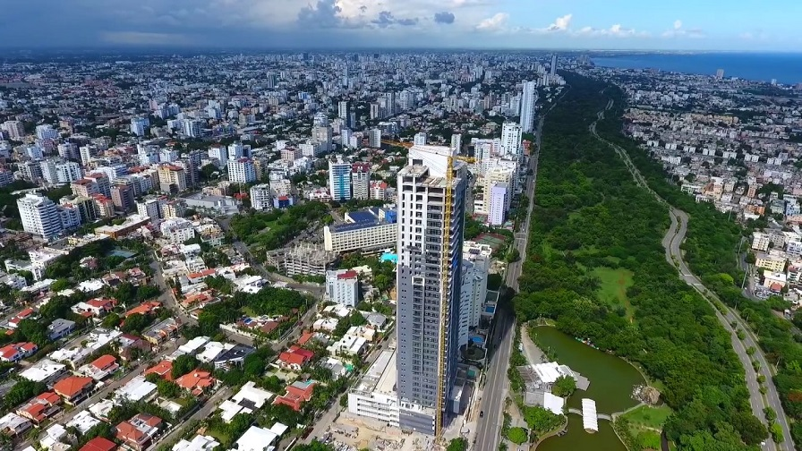 Vista aérea del Parque Mirador Sur en el Distrito Nacional.